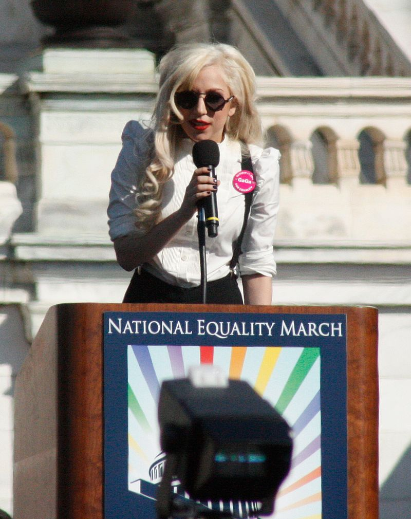 Леди Гага на митинге в поддержку прав человека в отношении геев и лесбиянок