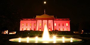 White House decorated pink in honor of Nationa...