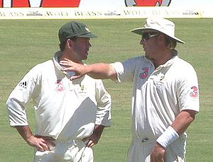Ponting and Shane Warne during the 2006–07 Ash...