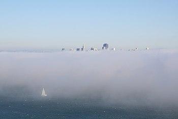 English: San Francisco in fog