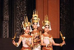 Danseuses kmer (2).JPG