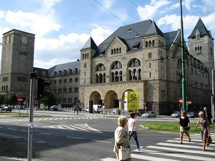 File:Imperial Castle Poznan.jpg