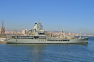 English: NRP Bérrio, fleet support tanker of t...