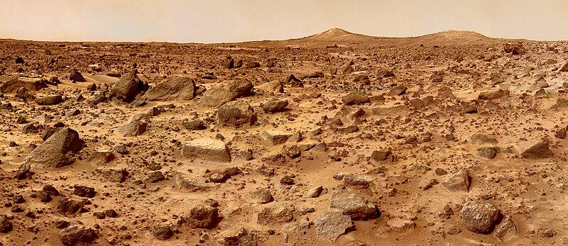 Paisagem marciana, pelas lentes da sonda Mars Pathfinder.