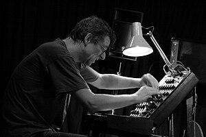 Thomas Lehn in concert with Speakeasy (Martin ...