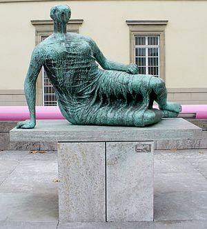 Stuttgart, Neue Staatsgalerie, Henry Moore: Di...