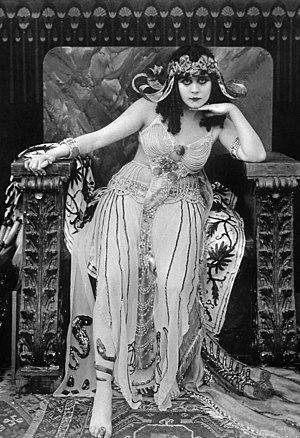 Bara in the title role as Cleopatra (1917)