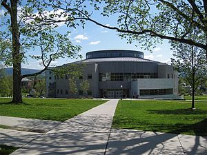 English: Library of the Middlebury College in ...