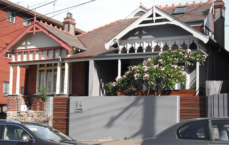 Mis-matched renovations at 86 and 4 Dolphin Stree Coogee NSW