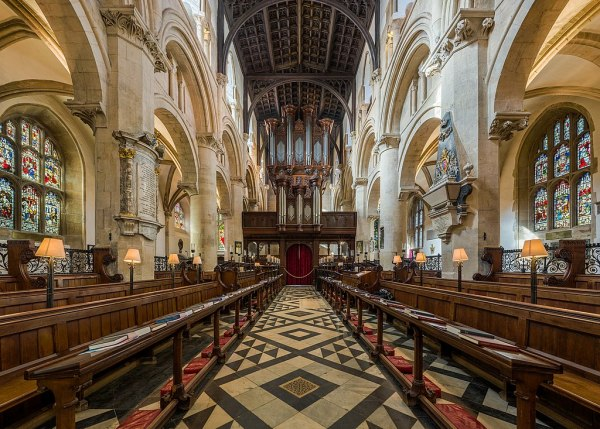 File:Christ Church Cathedral Interior 1, Oxford, UK ...