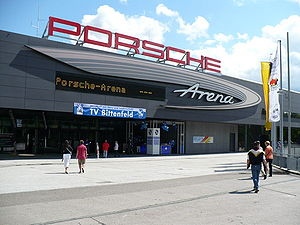 Eingang Porsche Arena in Stuttgart
