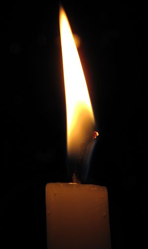 English: A candle flame.