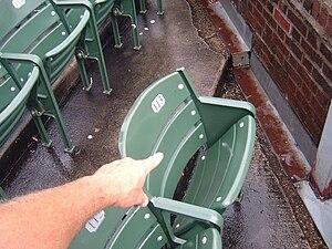 English: Steve Bartman seat, aisle 4, row 4, s...