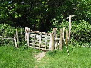 English: Old and very narrow kissing gate near...