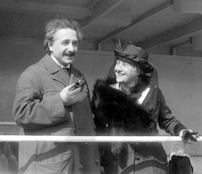 File:Einstein Albert Elsa LOC 32096u.jpg