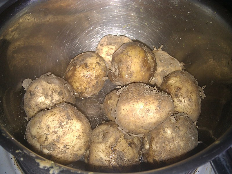 File:Ingredients new potatoes (4749608888).jpg