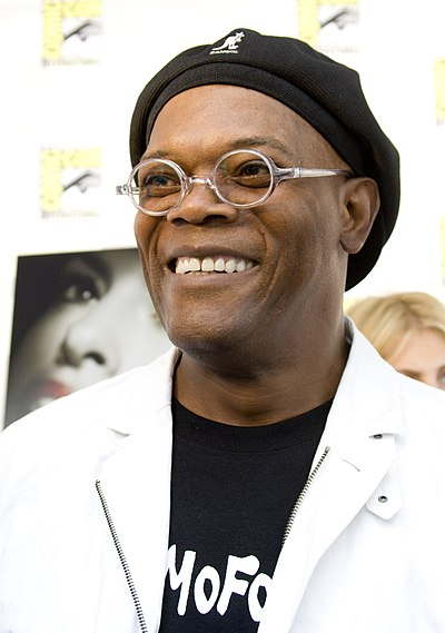 File:Samuel L Jackson at San Diego ComicCon 2008.jpg