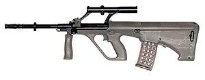 English: Steyr Aug rifle Lëtzebuergesch: Steyr...