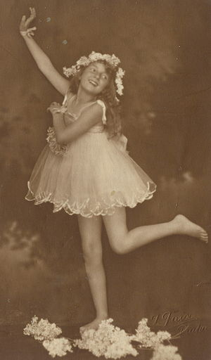 Little Dancing Girl, postcard