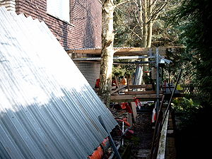 English: Compulsive hoarding home yard