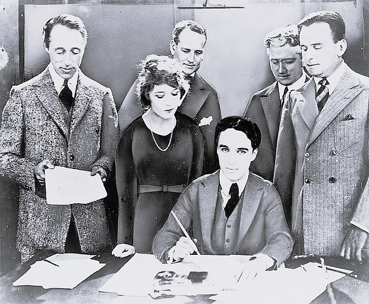 File:United Artists contract signature 1919.jpg