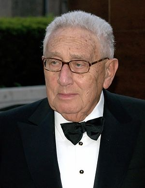 English: Henry Kissinger at the 2009 premiere ...