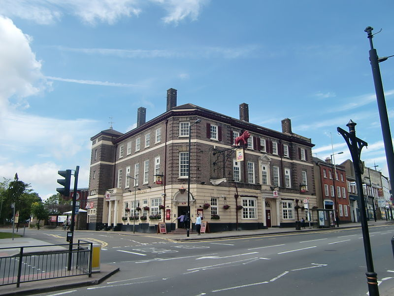File:Red Lion, Barnet.jpg