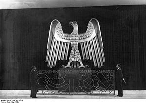"""Bundesarchiv Bild 102-15756, Ausstellung """"..."""