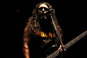 Deutsch: Tom Araya von Slayer