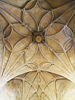 English: Bóveda en la Iglesia de Santa María l...