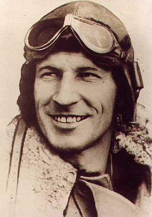 English: Charles Kingsford Smith in his flying...
