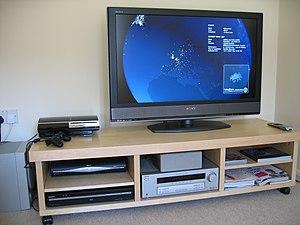 Home cinema setup Sony KDL-40W2000 LCD TV. Ful...