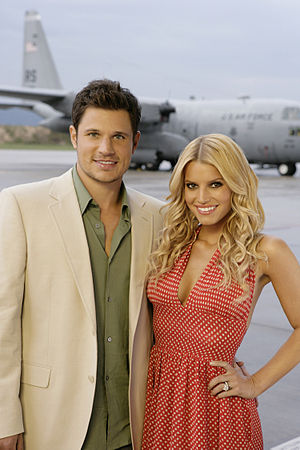 English: Nick Lachey and Jessica Simpson at th...