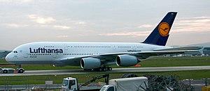 Der erste Airbus A380 der Lufthansa auf dem Fl...