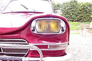 English: view of Citroën Ami6 Headlight. The f...