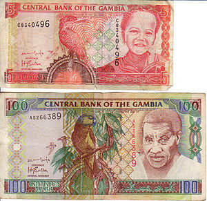Obverse of 5 and 100 dalasi note