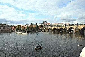 English: View on Vltava river, Charles Bridge ...