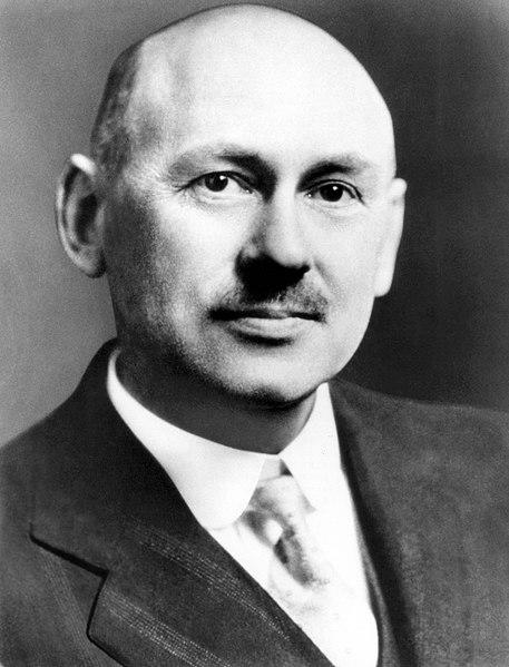 File:Dr. Robert H. Goddard - GPN-2002-000131.jpg