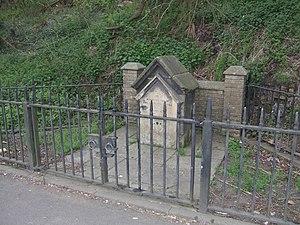 English: Lady Wulfruna's Well This memorial da...