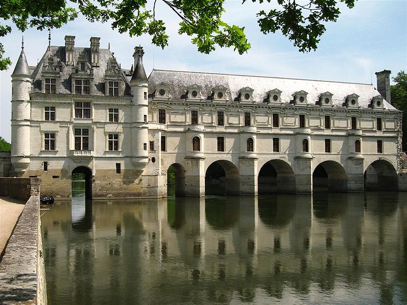 Château de Chenonceau - west facade over Cher (4 May 2006)