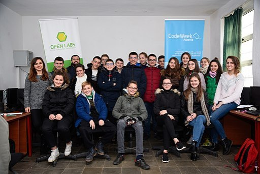 Moments during Code Week 2017 in Burrel 19