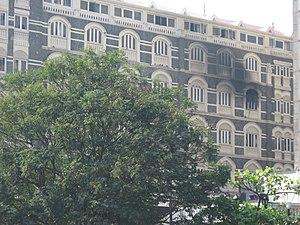 English: Taj Mahal Hotel, with a portion of a ...