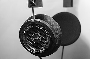 English: A picture of a pair of Grado SR-60 he...