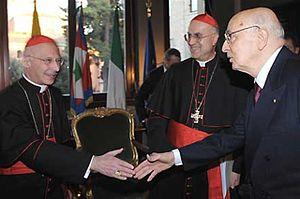 Italiano: Il Presidente Giorgio Napolitano sal...