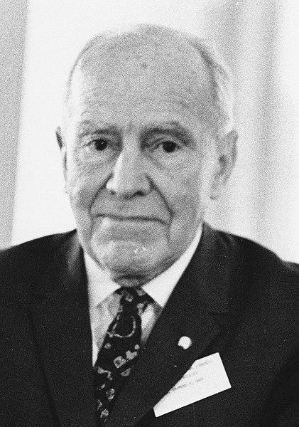 Raymond Dart, anatomista y paleoantropólogo fotografiado en 1968
