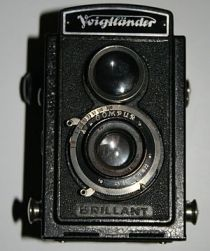Voigtländer Brillant twin-lens reflex camera.