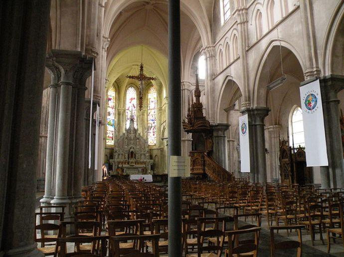 Fichier: Église Saint-Étienne de Wignehies 22.JPG