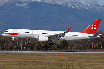 English: Privatair Boeing 757-200 landing in G...