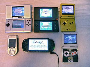 Verschillende handhelds bij elkaar: Game Boy A...