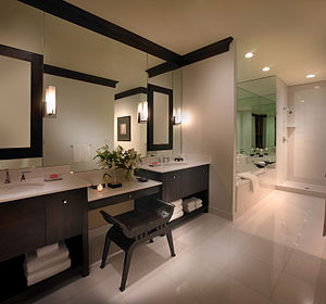 Picture of the master bathroom at Highgrove